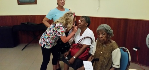 Woman getting an eye exam in Sint Maarten